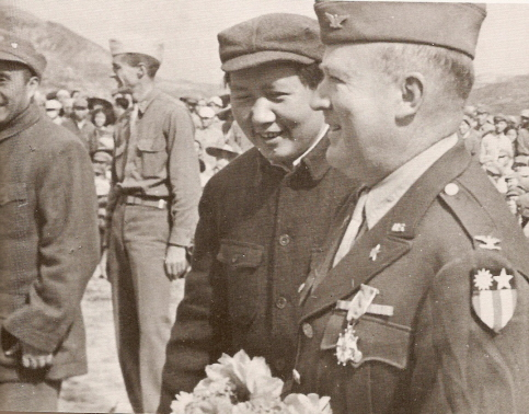 mao-zedong-and-colonel-david-d-barrett-yenan-1944