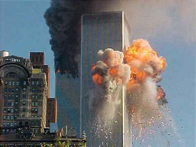 911-plane-crash-twin-towers-new-york-2